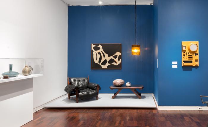 moderno exhibition installation short photo beatriz meseguer - Living Moderno